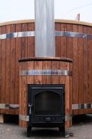Водогрейная печь для фурако Тутуяс в деревянном массиве